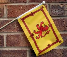 SCOTLAND LION - HAND WAVING FLAG (MEDIUM)